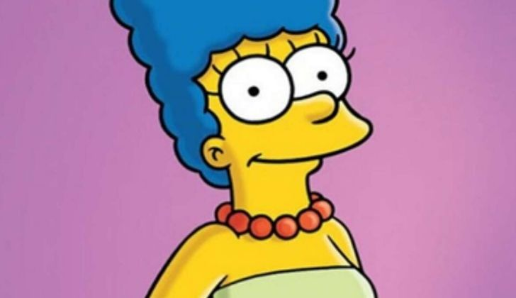 Picture of Marge Simpson smiling.