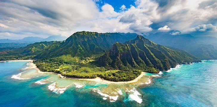 Hawaii is the second widest state in the U.S.