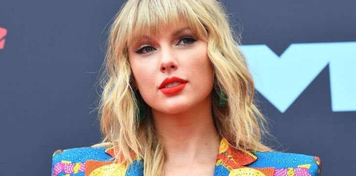 A photo of Taylor Swift