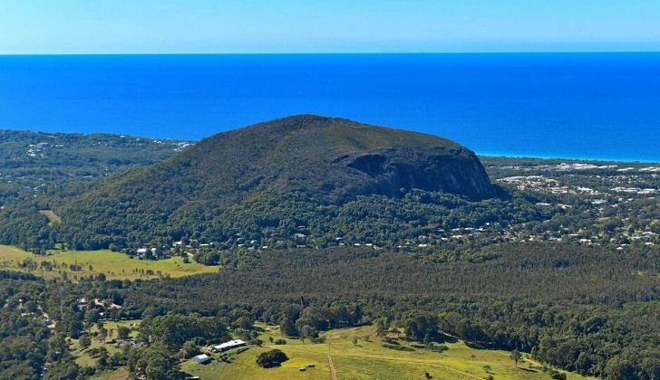Mount Coolum standing proudly with the sea behind it