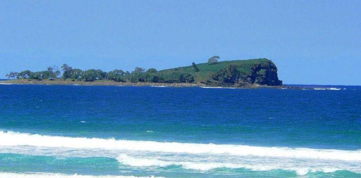 A view of The Mudjimba island