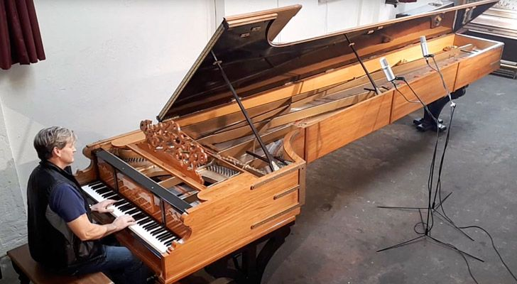 The world's largest grand piano was built by a 15-year-old in New Zealand.