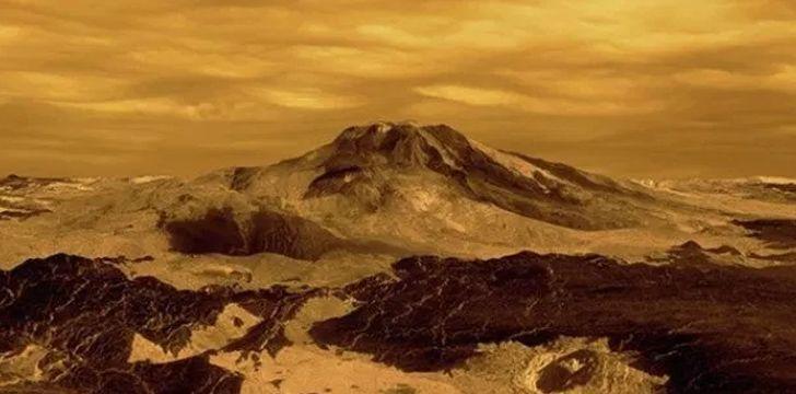 It snows metal on Venus