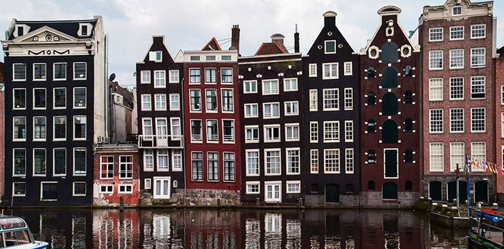 Amsterdam's buildings are so narrow due to taxation reasons.