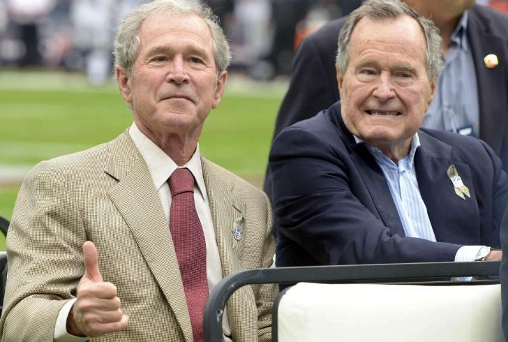 Picture of both Bush presidents