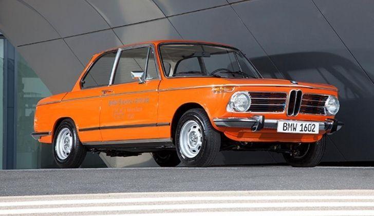1602e orange electric car