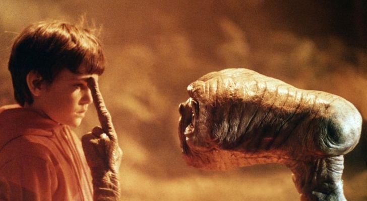E.T. touching Elliott's head