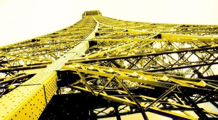 Eiffel Tower in yellow!