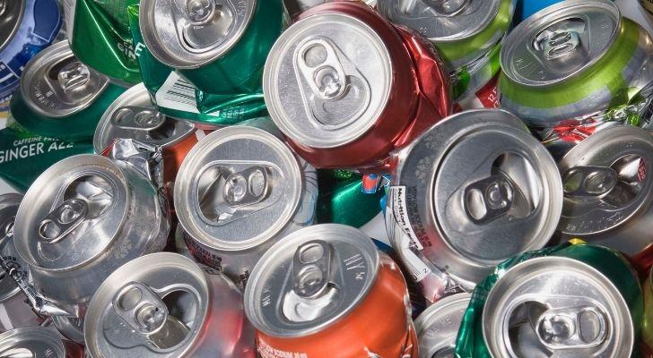 Lots of aluminium soda cans