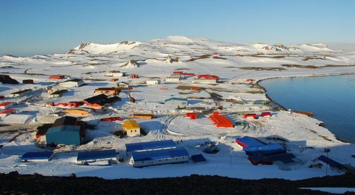 The little town of Villas Las Estrella's in Antarctica